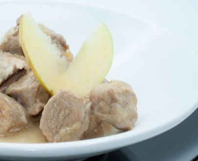 Lomo Guisado en Salsa de Manzana