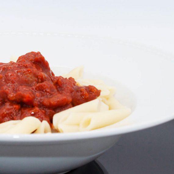 Pasta con Tomate y Picadillo